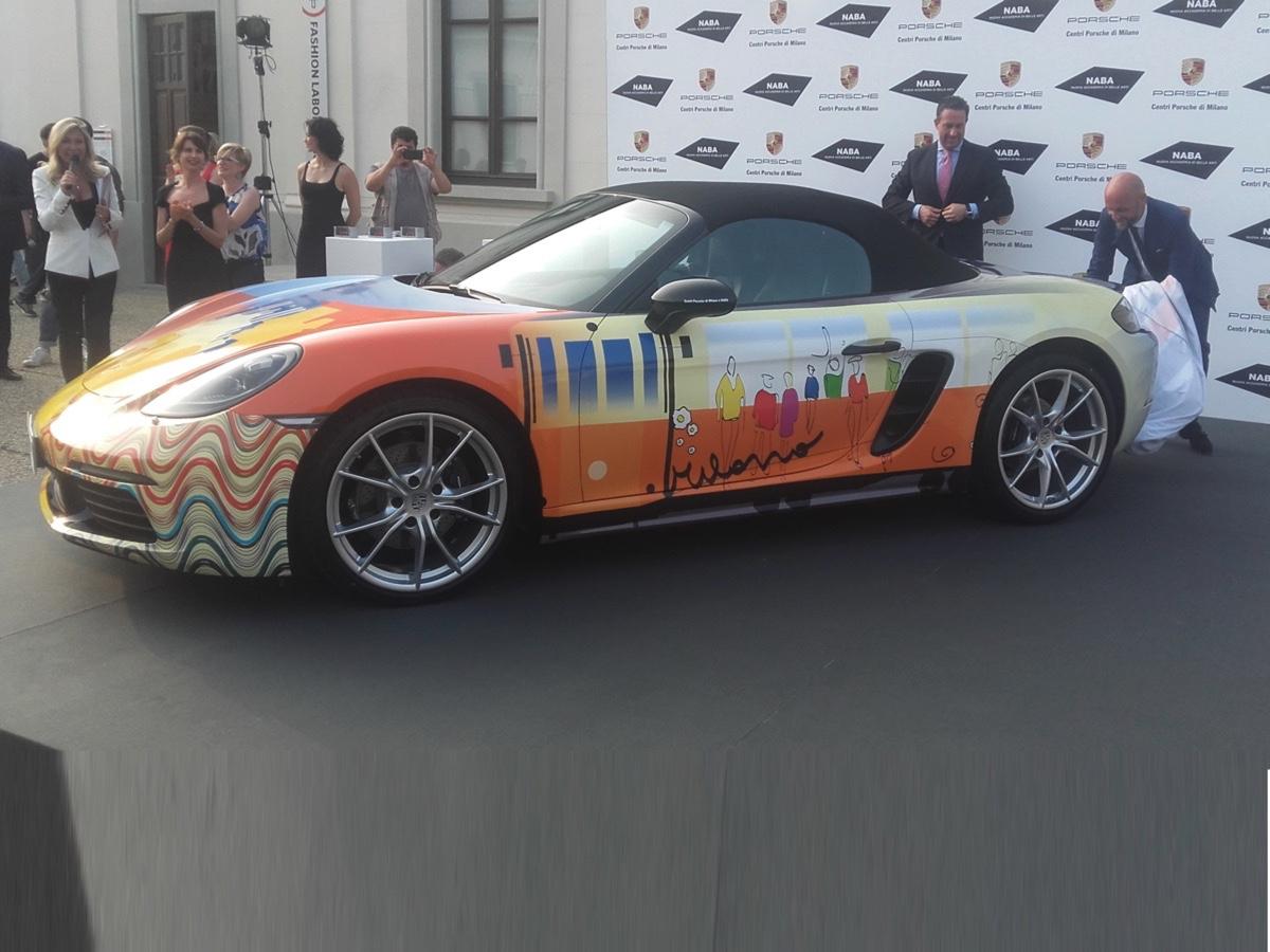 Porsche milano e naba creano una nuova livrea per la 718 for Milano naba