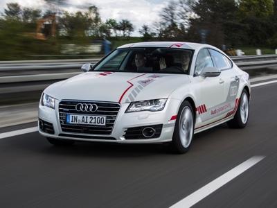"""Audi propone esperienza """"autonoma"""" ai clienti sulla A7 speciale"""