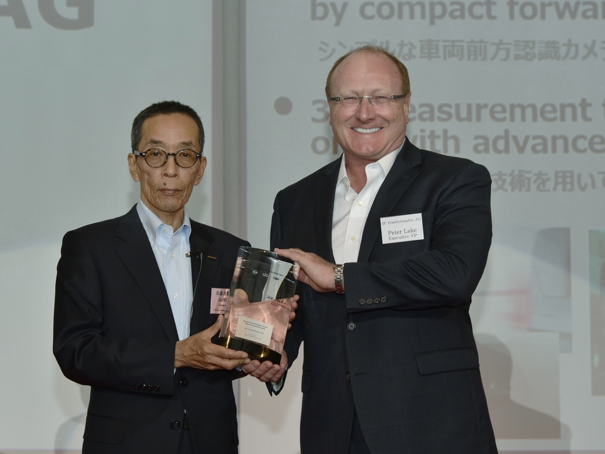 ZF premio Nissan