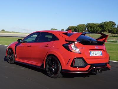 """Honda Civic rinnova il mito """"Type R"""""""