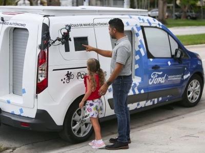 Ford sperimenta guida autonoma a Miami con Postmates