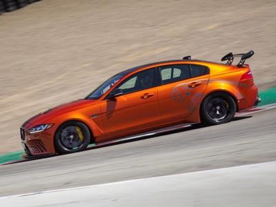 Nuovo record di velocità per la Jaguar XE SV Project 8
