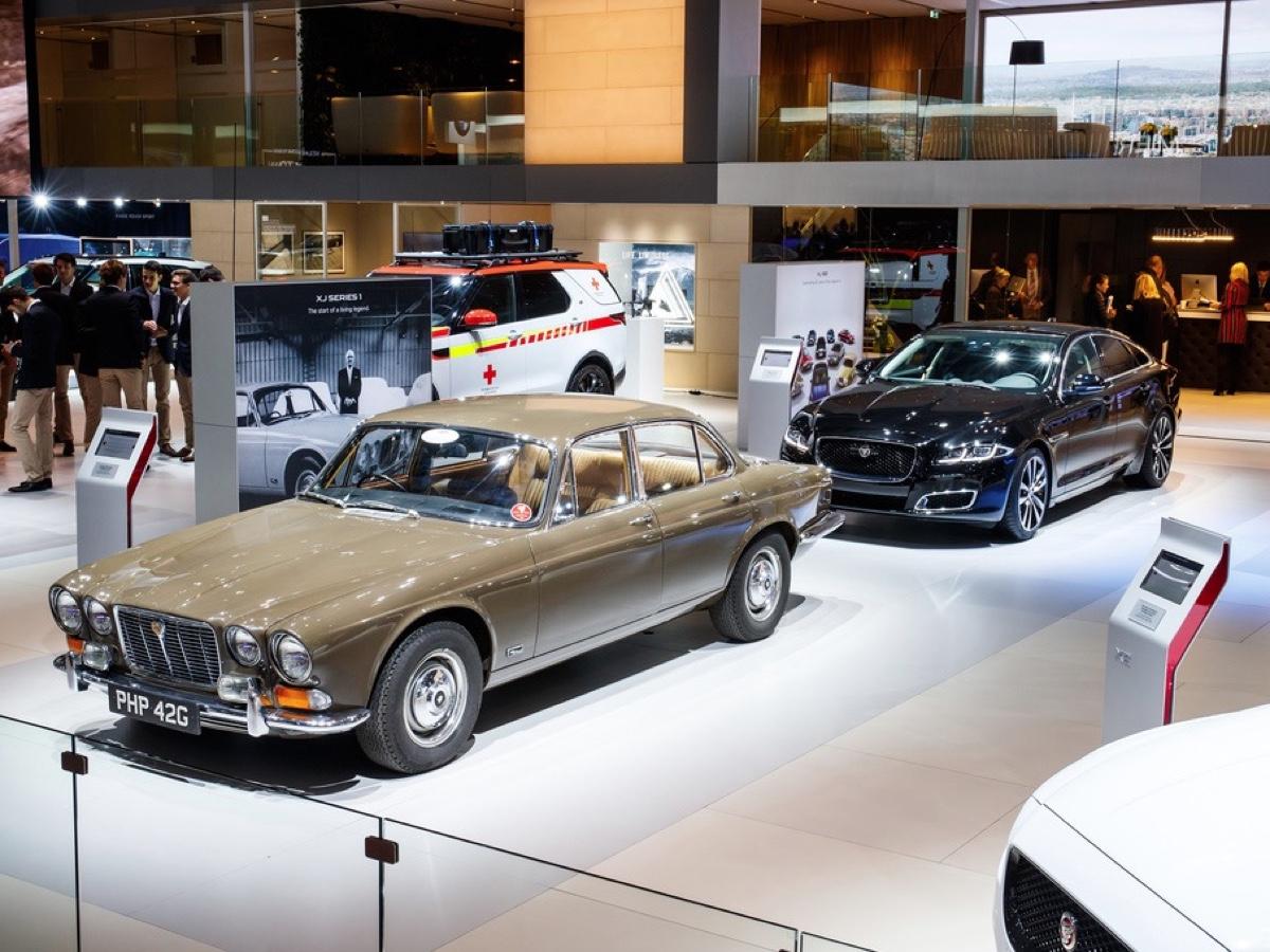 Jaguar Land Rover Parigi