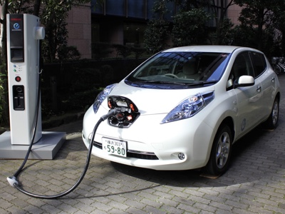 La Cina studia nuove regole per tutelare il mercato EV