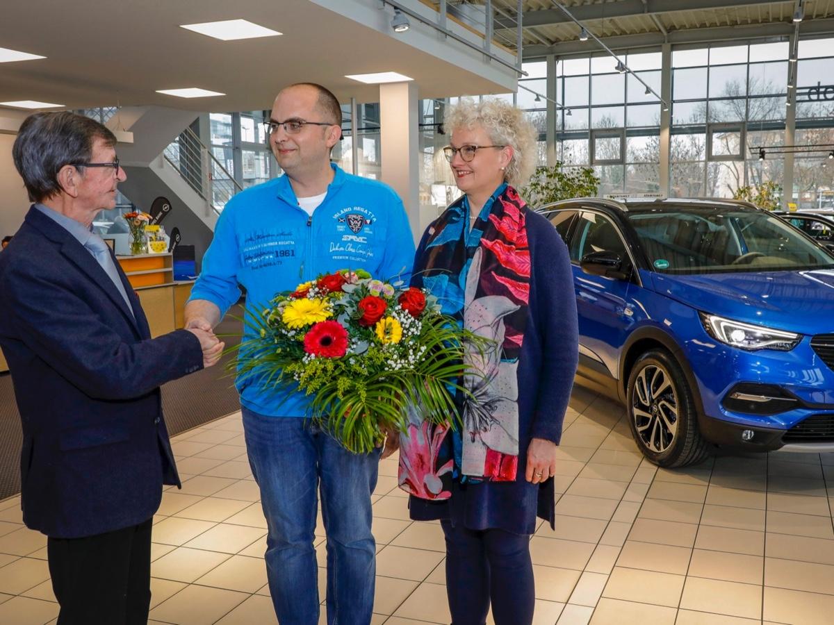 Opel consegna prima Grandland X con motore top di gamma