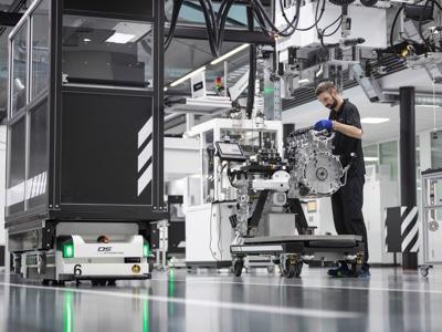 """Il quattro cilindri di serie più potente al mondo è """"made in Affalterbach"""""""