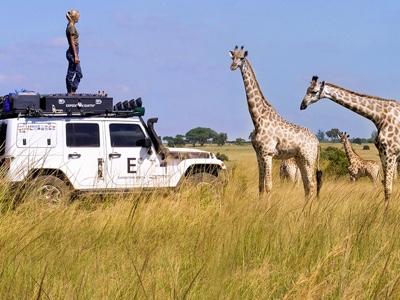 Jeep espone a Londra una mostra fotografica sull'impresa di Expedition Earth