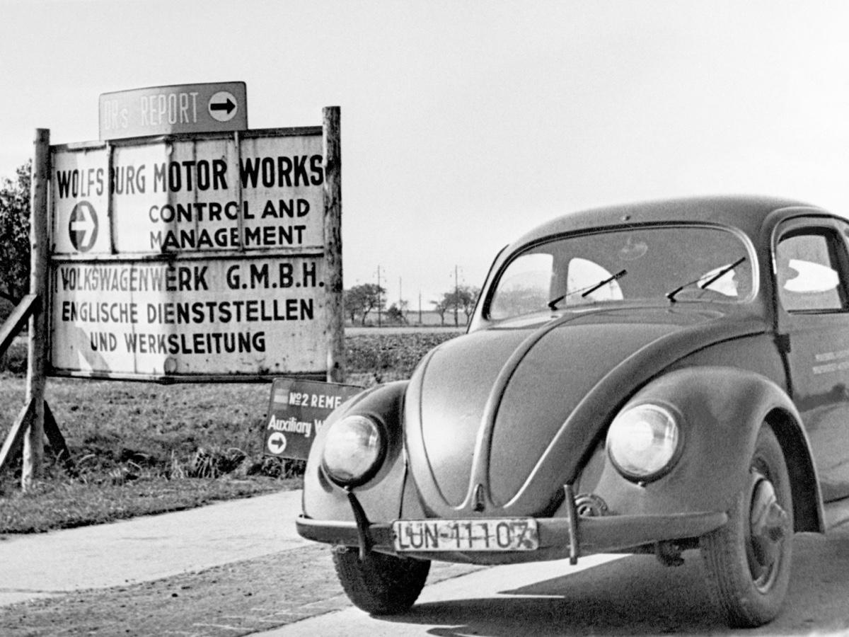 Volkswagen celebra 70 anni dalla consegna alla Repubblica federale di Germania