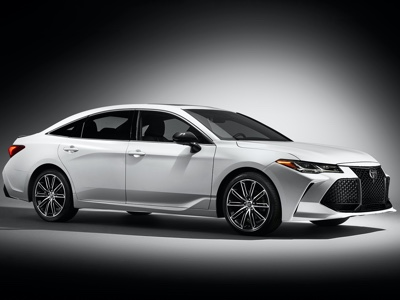 Premiere at Los Angeles Auto Show for the Toyota AWD Camry and Avalon
