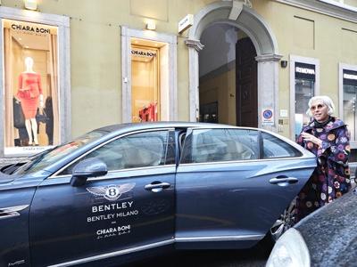 Bentley e Chiara Boni alla Milano Fashion Week per una nuova tappa del Fashion Grand Tour
