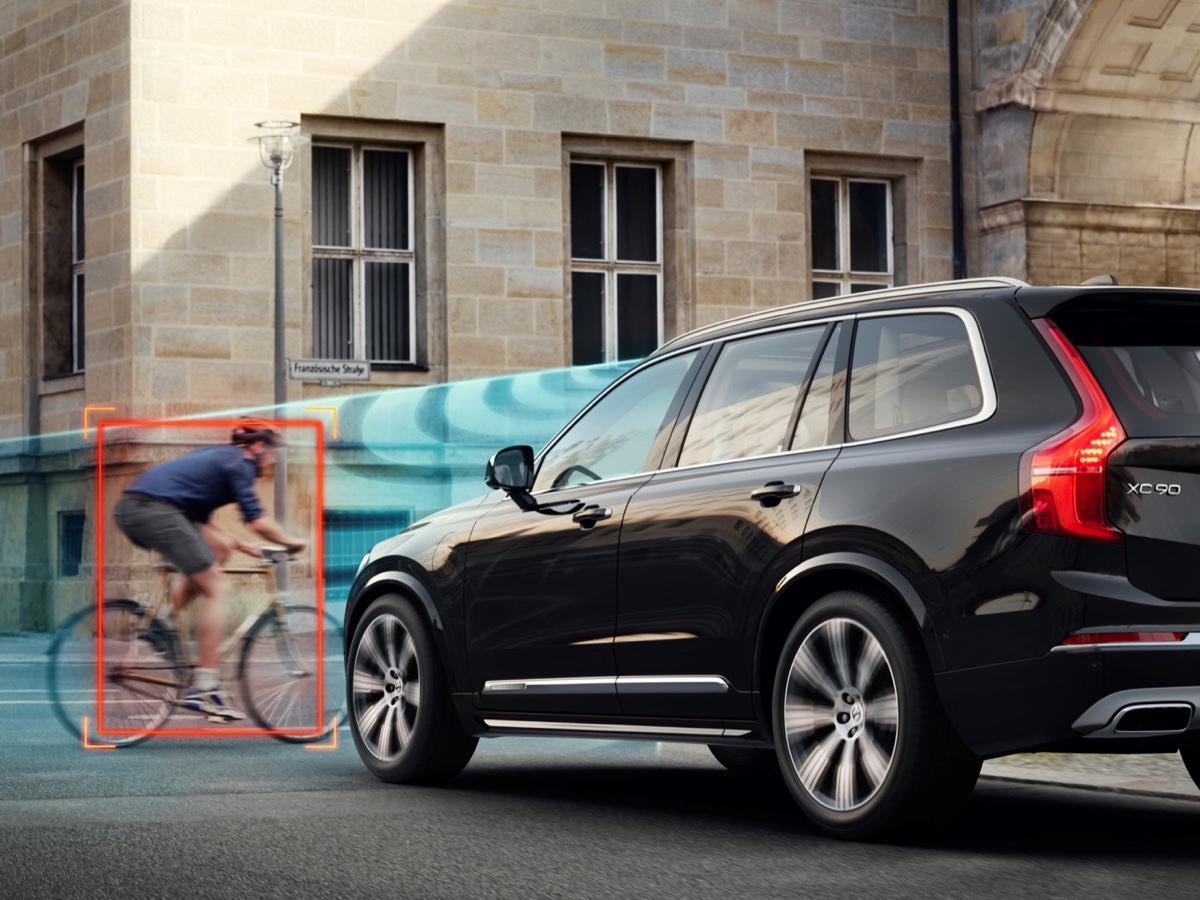 Volvo sistema di riconoscimento dei ciclisti