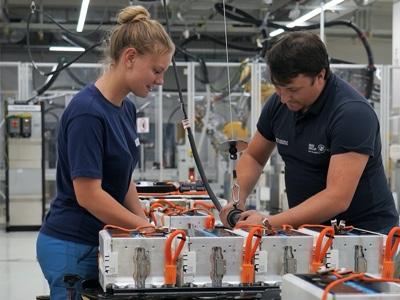BMW e Northvolt per la fornitura europea di celle per le batterie