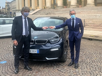 BMW Italy delivers two cars to the City of Verona for sustainable mobility