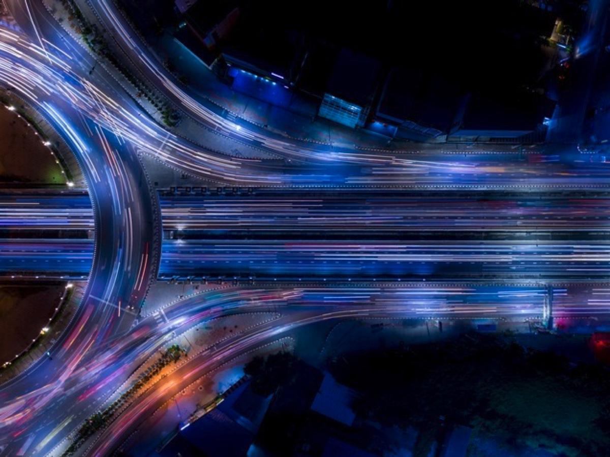 Nuova roadmap 2030 di 5GAA per guida avanzata e tecnologie di connettività