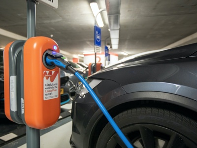 At the World EV Day event, LeasePlan asks governments for more charging infrastructure