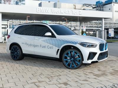 BMW potrebbe lanciare EV a celle a combustibile già nel 2022